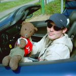 Bearsac and Freddie Ljungberg in Freddie's car.