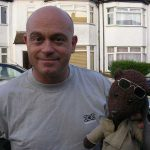 Ross Kemp holding Bearsac