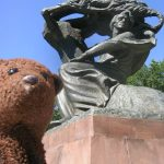 Bearsac raising his head like Chopin in the monument